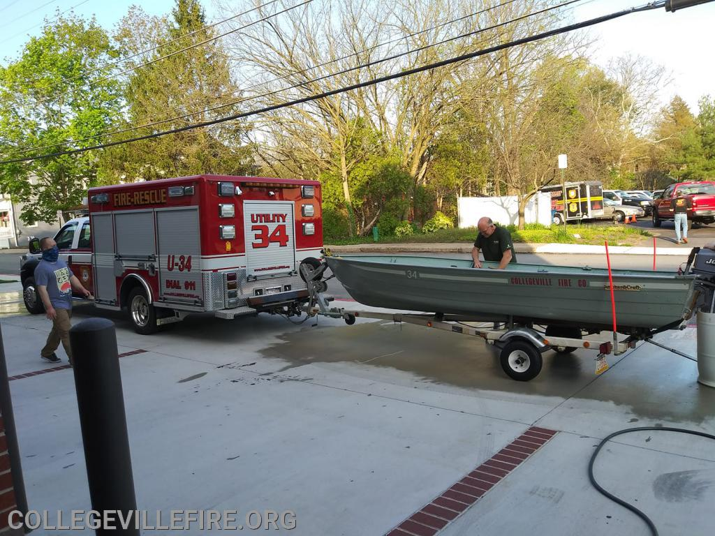 Clean up after the water Rescues on the Schuykill River